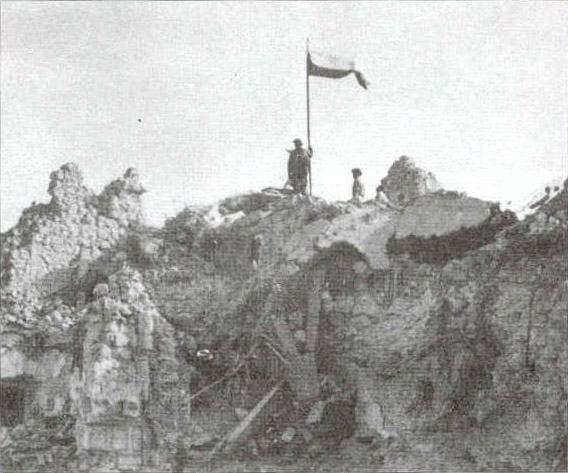 polish_flag_monte_cassino2.jpg